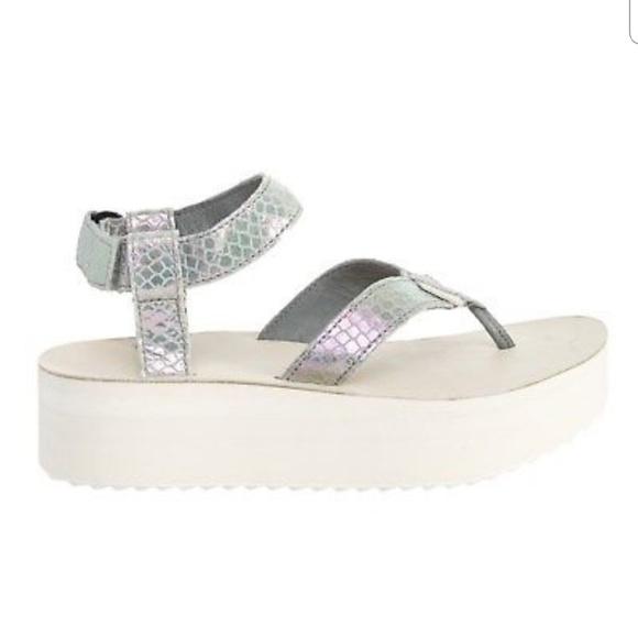 87928edc9ab83b Teva Leather Flatform Iridescent Sandals